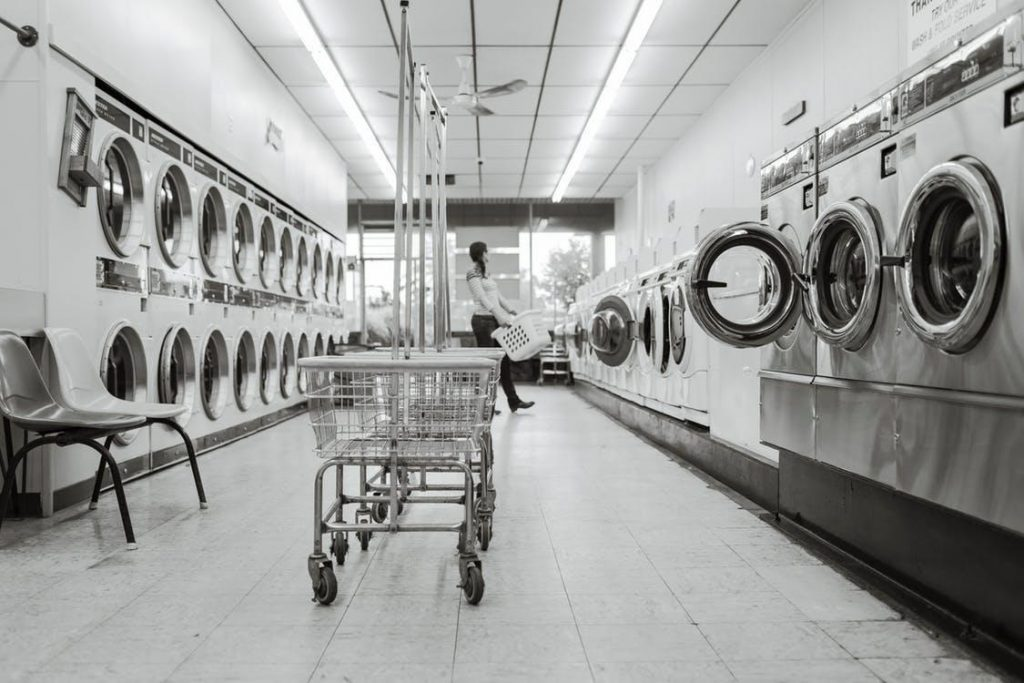 Benefits of Using Coin Laundry Services